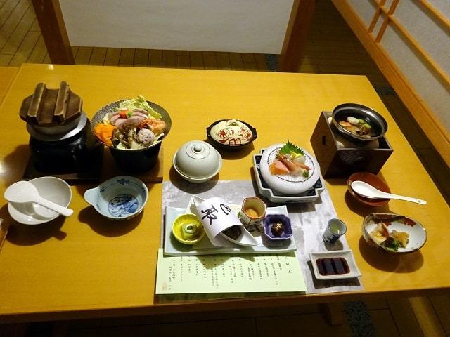 斉木別館の夕食(因幡会席)